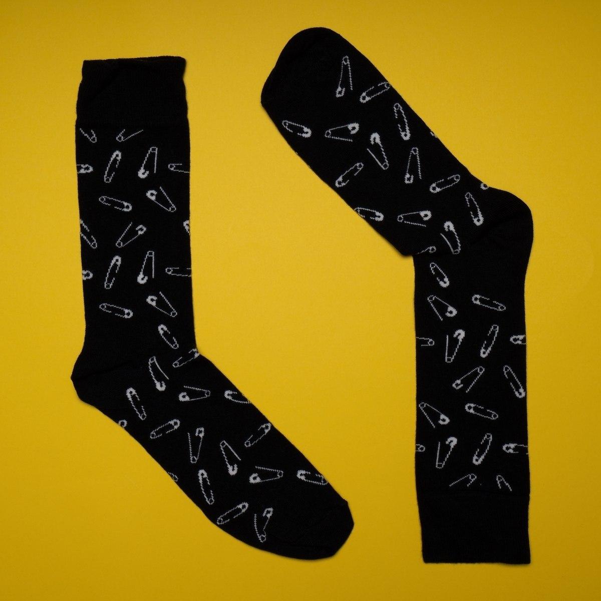 Men's Pin Textured Socks In Black