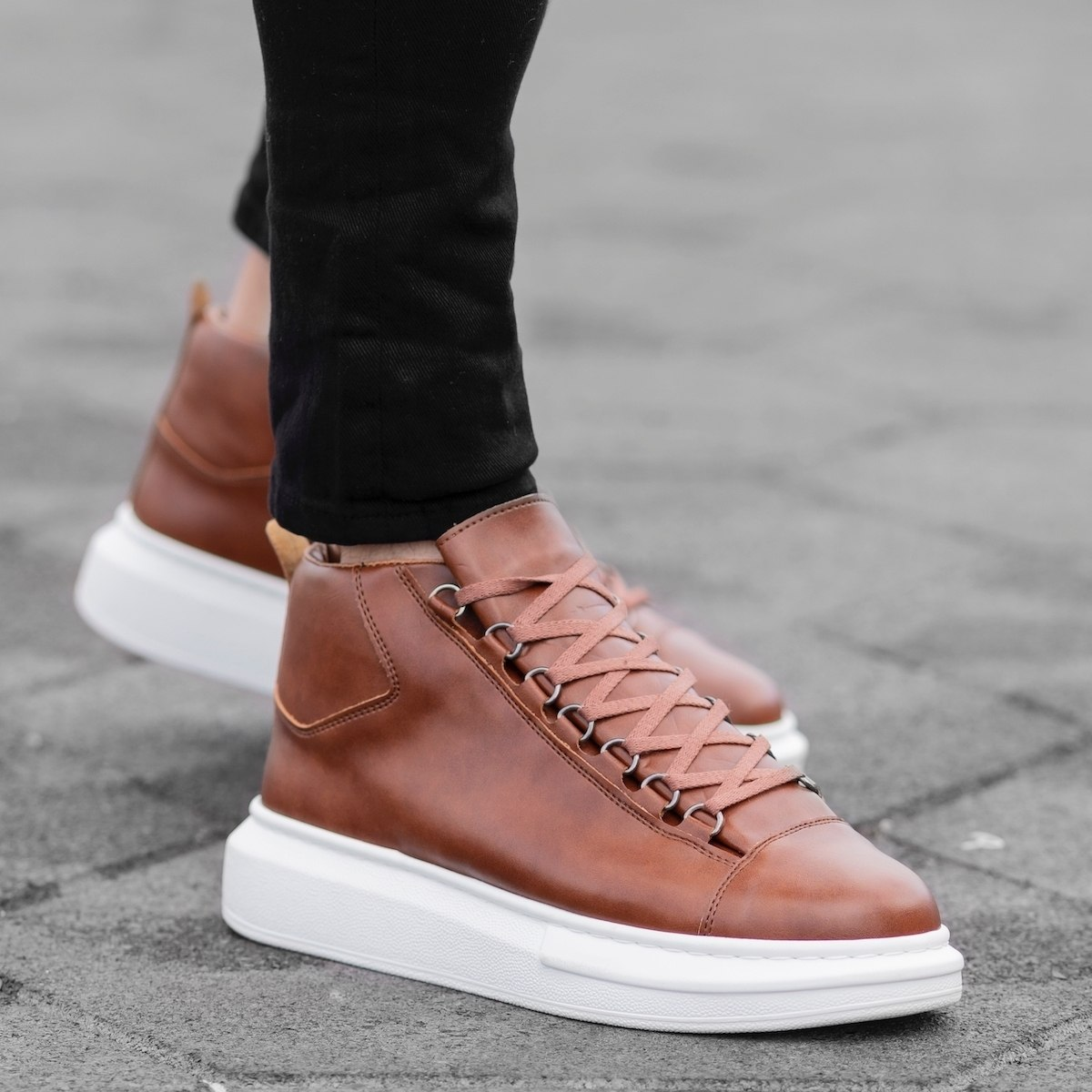 Hype Sole Mox High Top Sneakers in Taupe