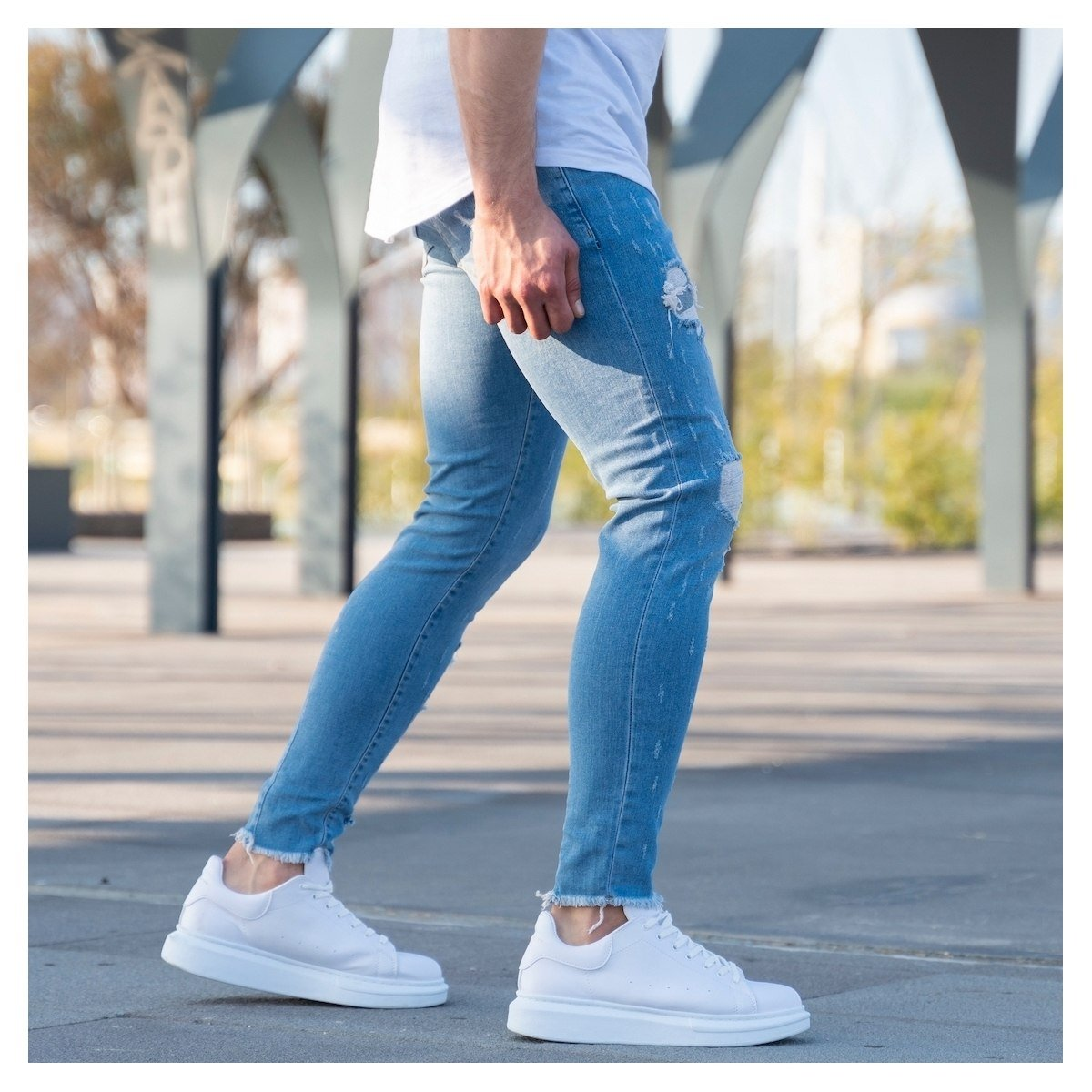 Men's Ragged Jeans In Ice Blue