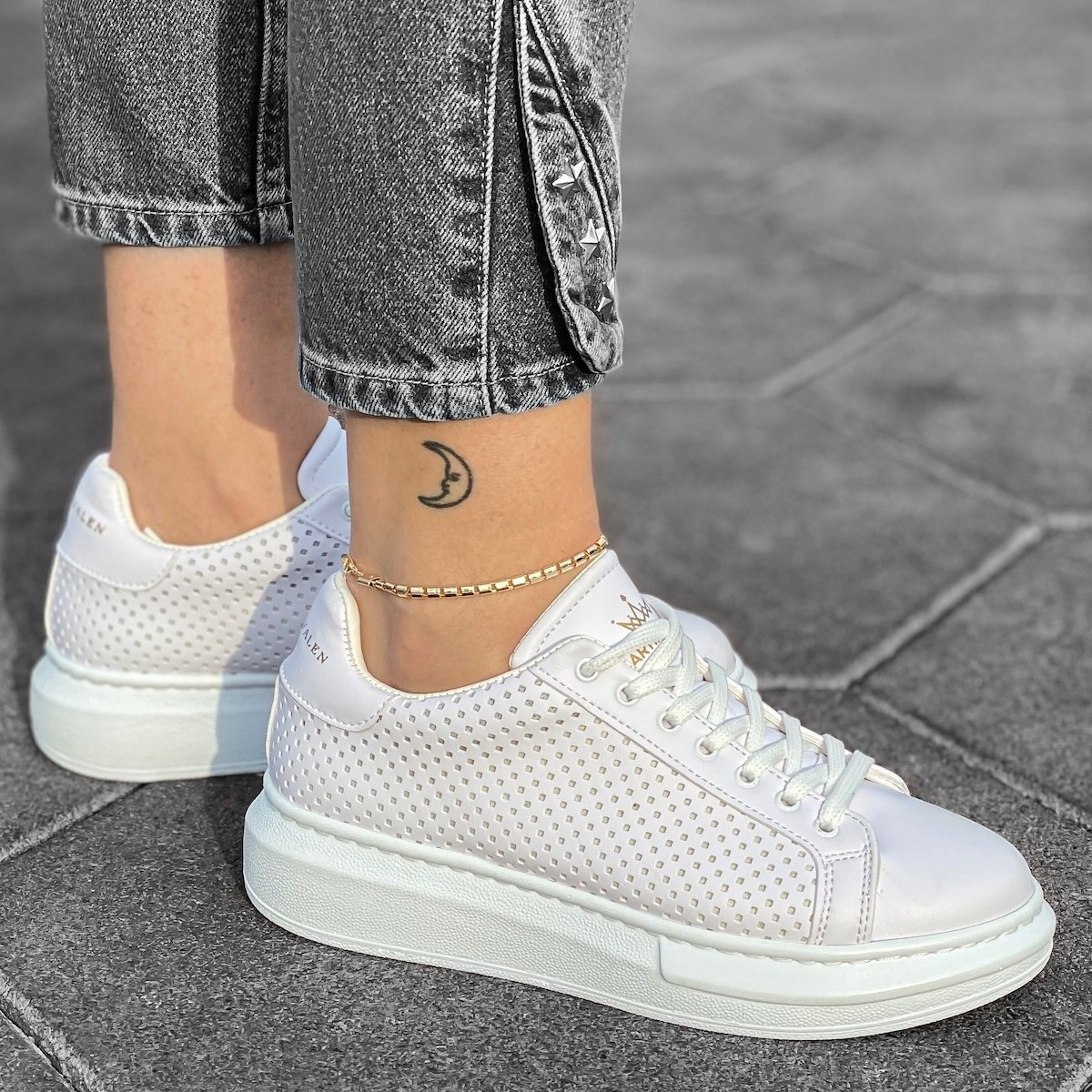 Woman Mega Side-Mesh Sneakers in Full White