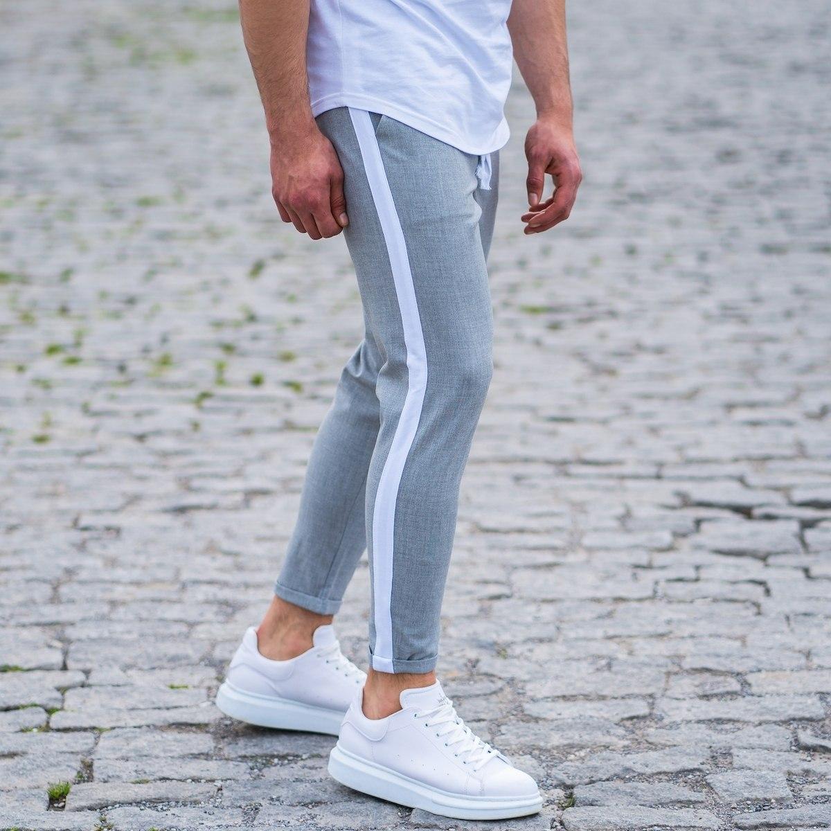 Men's Striped Joggers In Gray