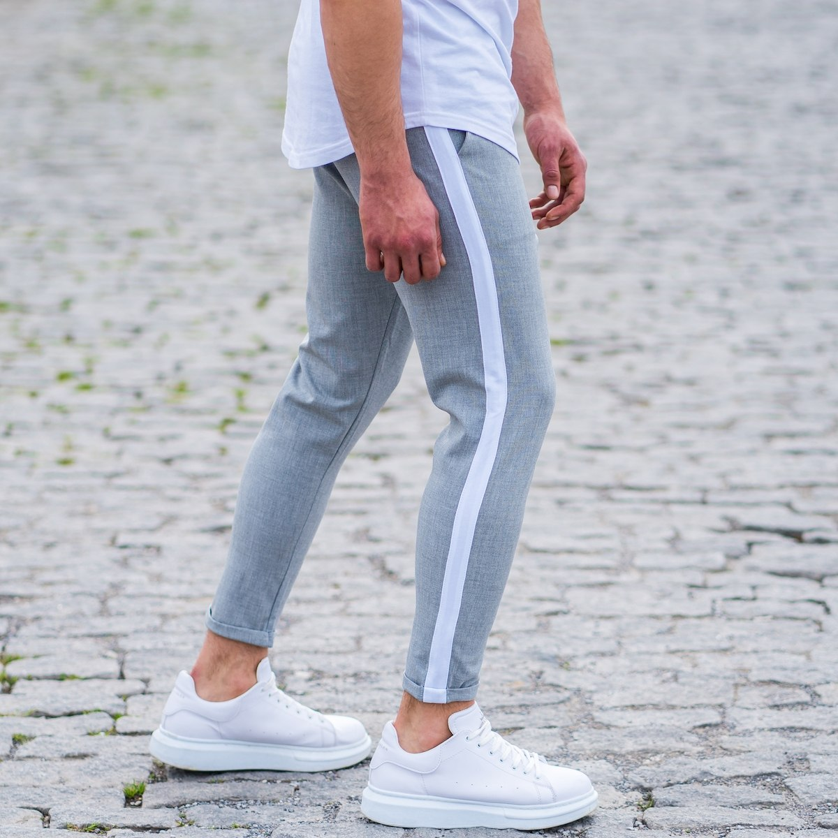 Men's Striped Joggers In Gray
