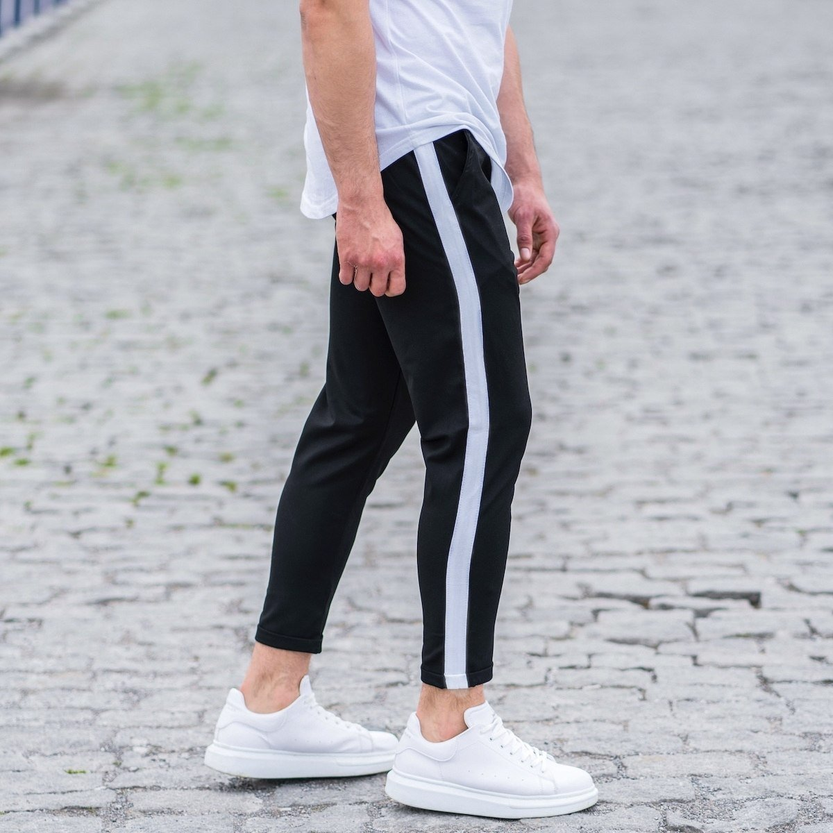 Men's Striped Joggers In Black