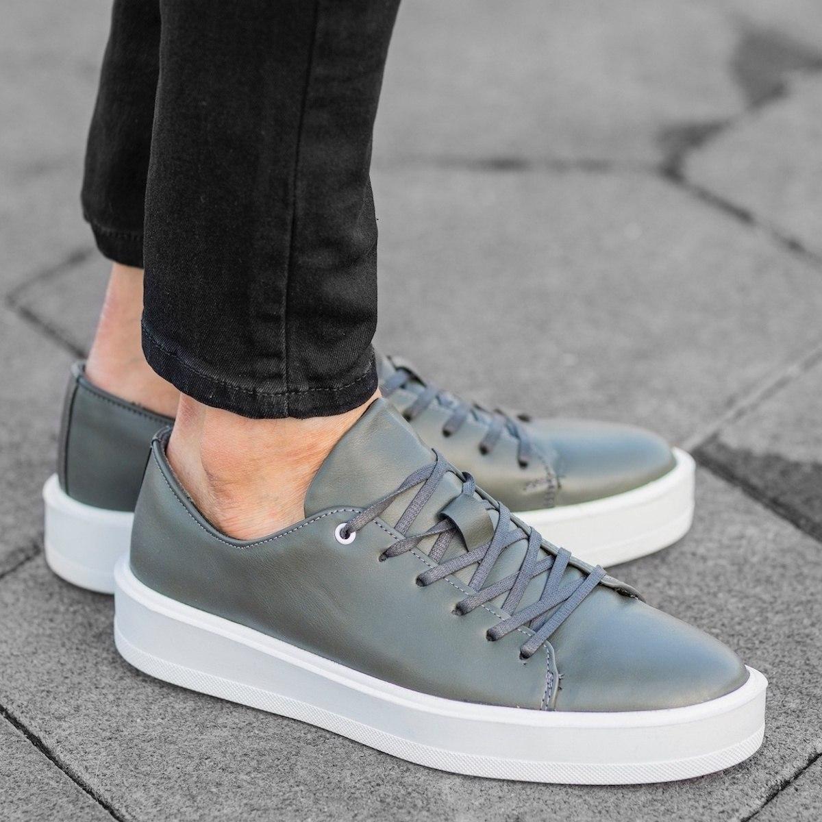 Herren Sneakers mit flacher...