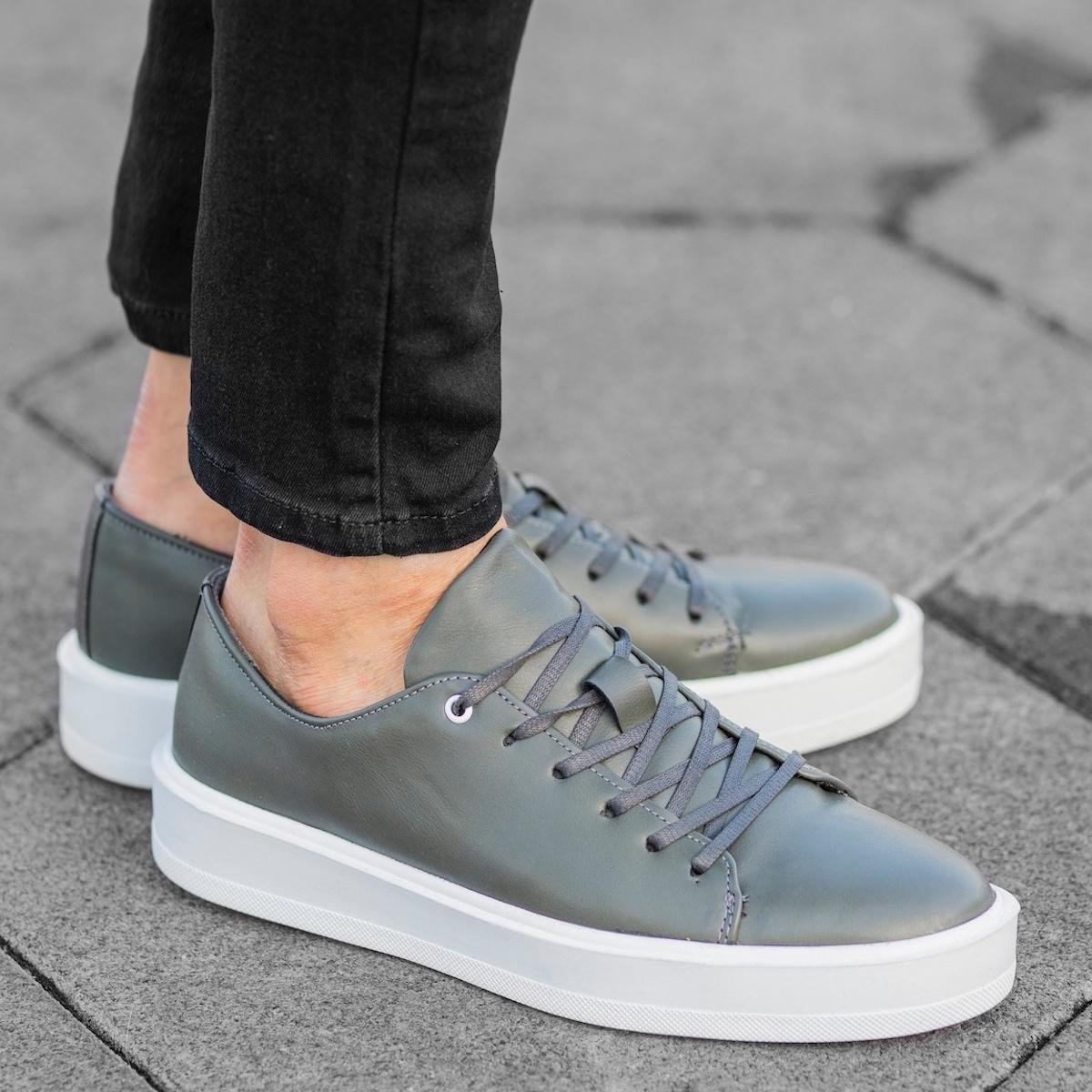 Men's Flat Sole Sneakers In Gray