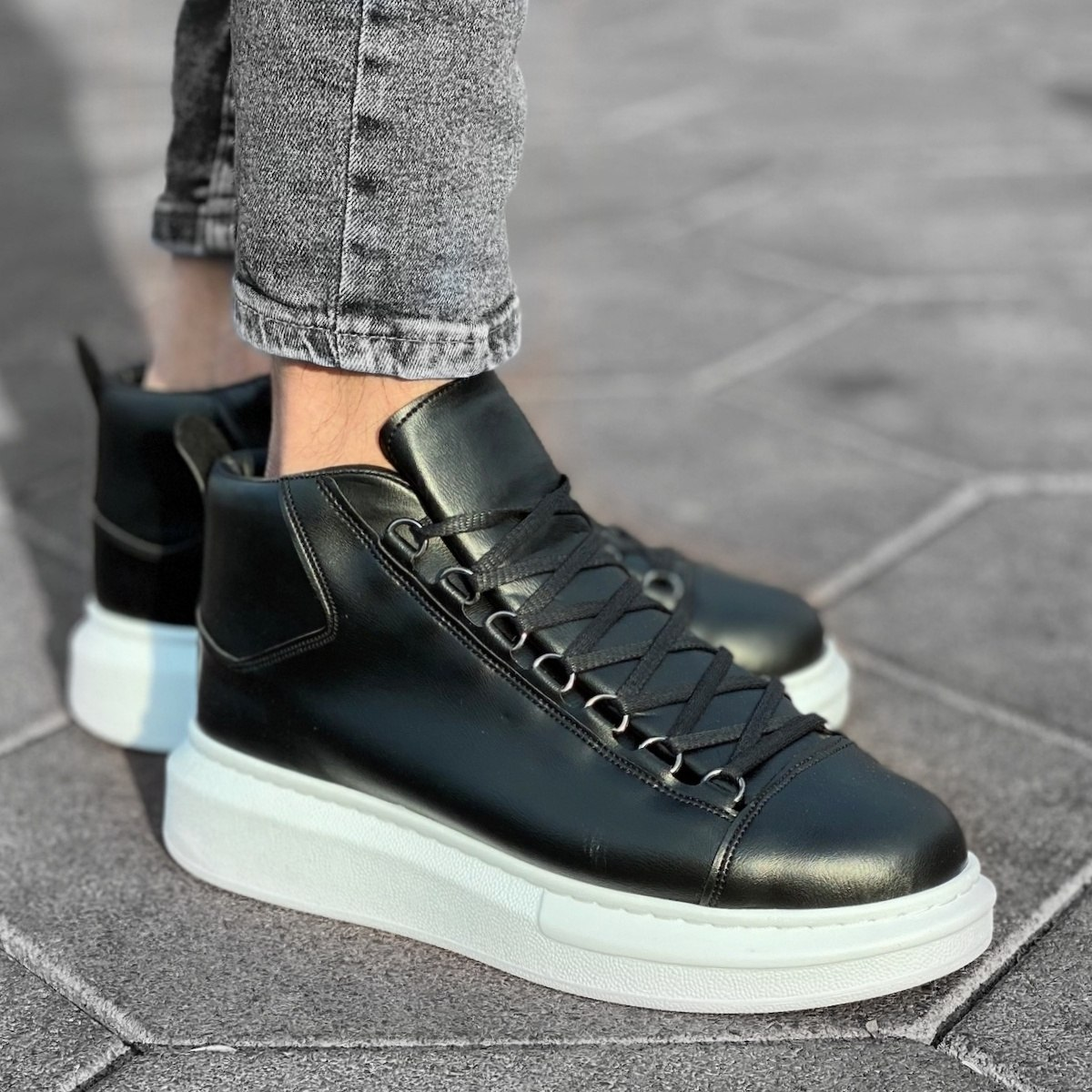Hype Sole Mox High Top Sneakers In Black