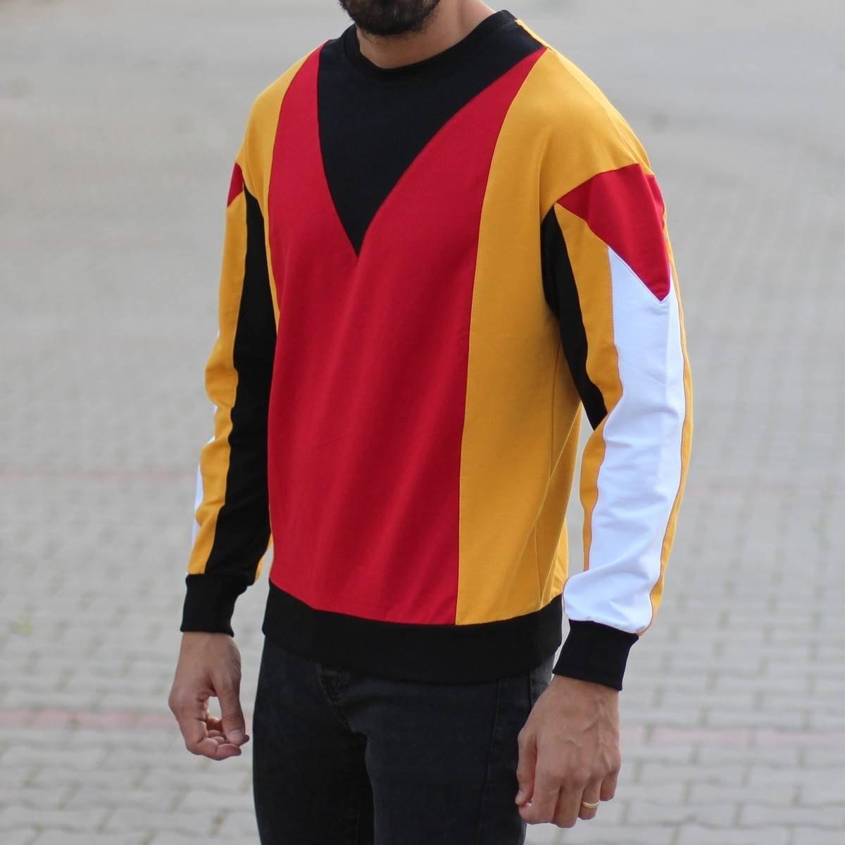 Men's Geometric Sweatshirt...
