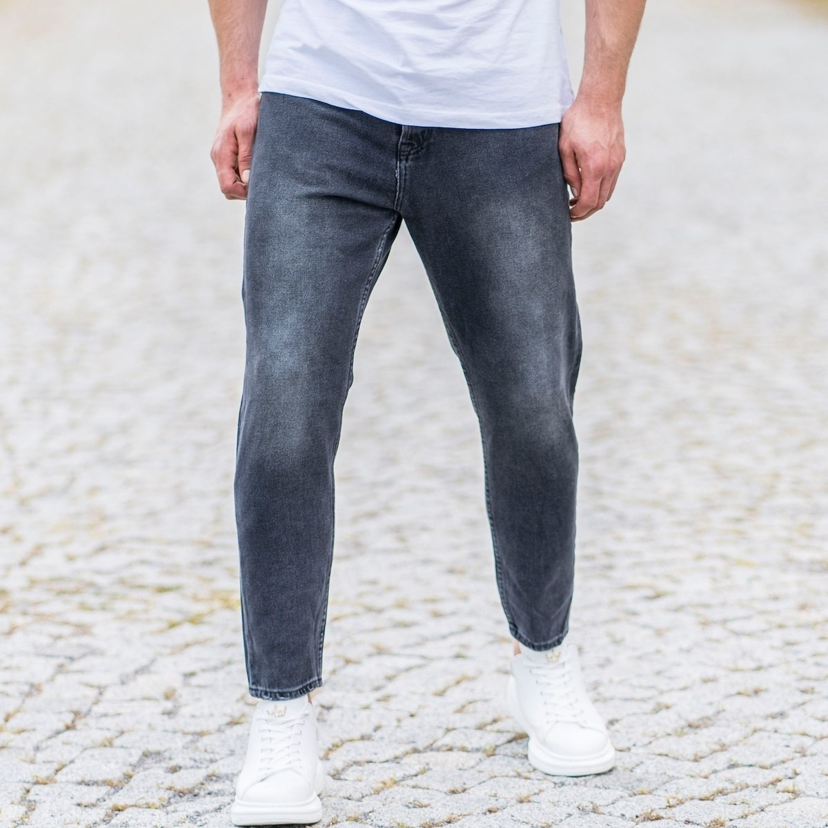 Men's Loose Fit Jeans In...
