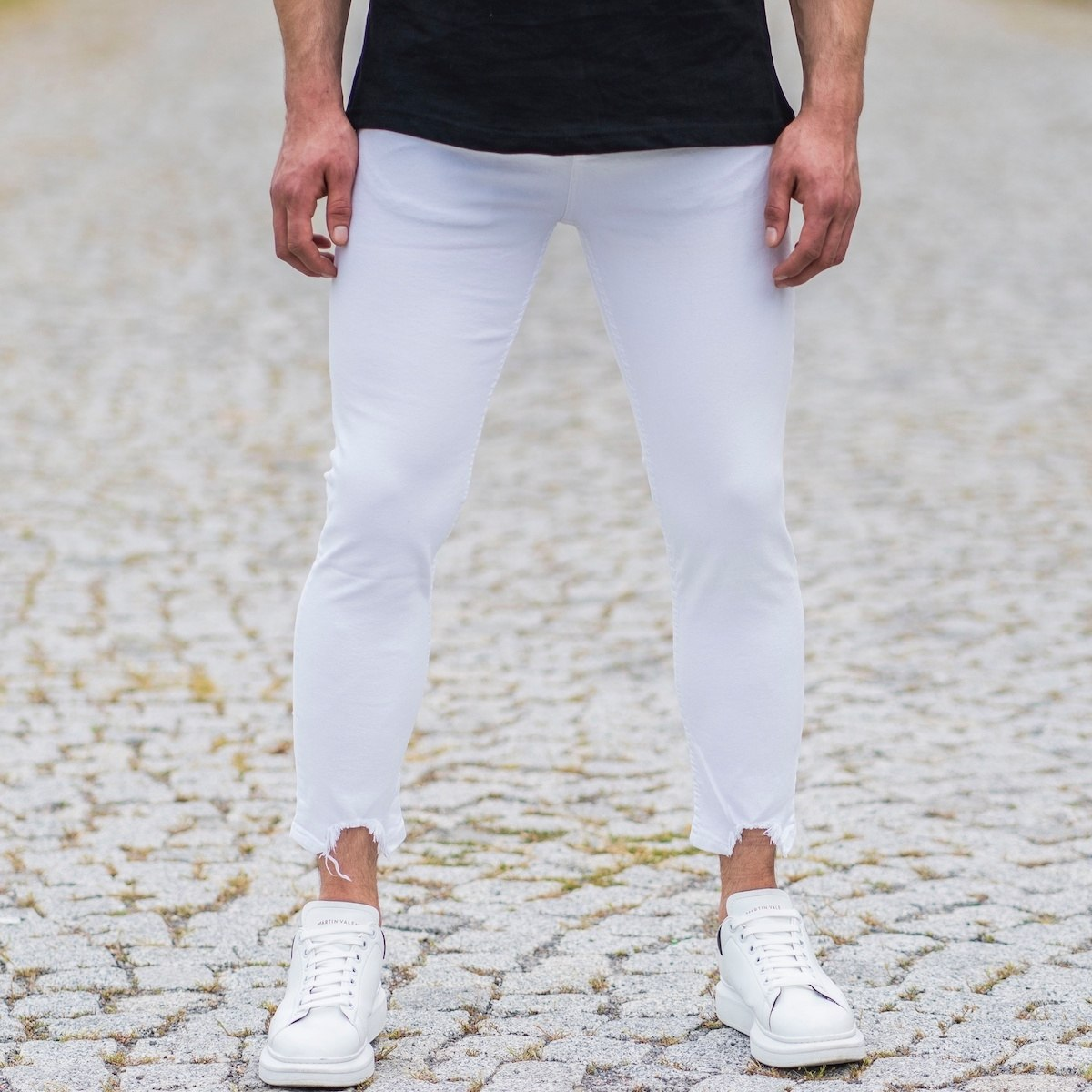 Men's Distorted Ankle Skinny Jeans In White