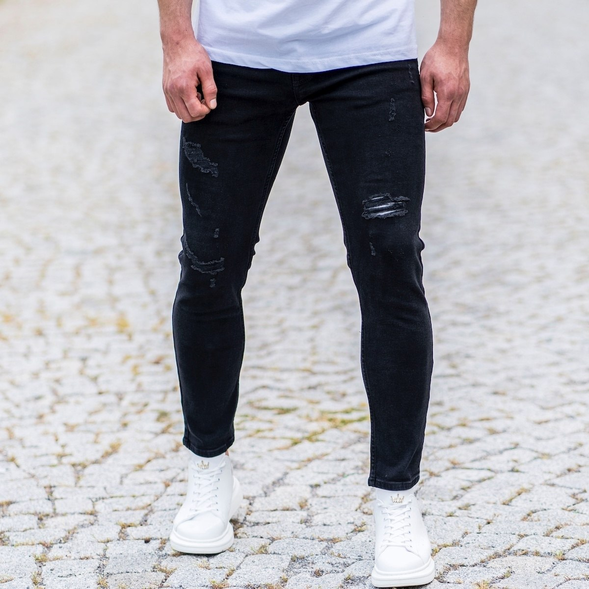 Men's Basic Slim Fit Jeans...
