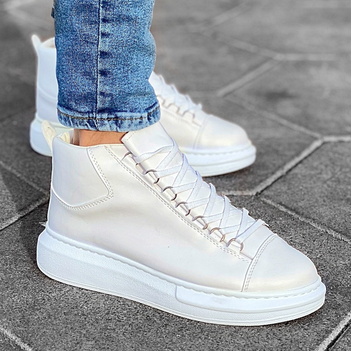 Hype Sole Mox High Top Sneakers in White