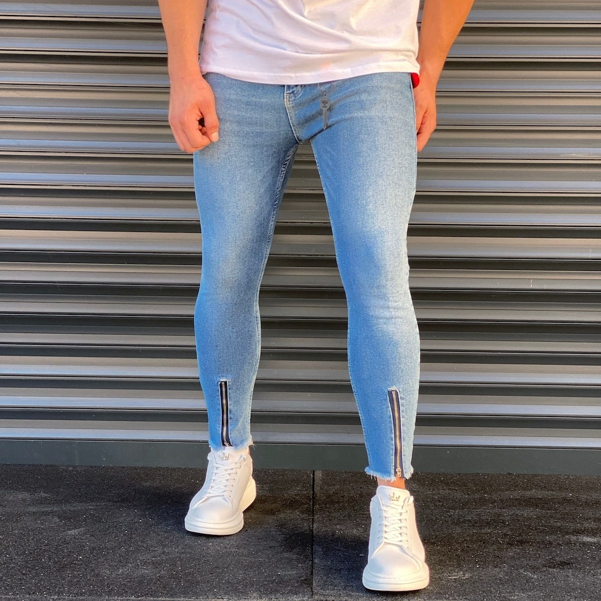 Men's Basic Zipped Jeans In...