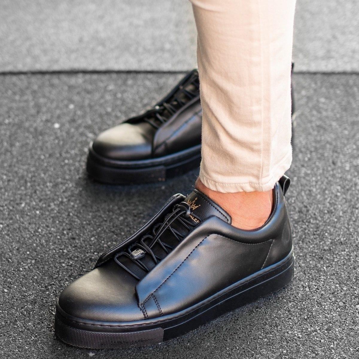 MV Dominant Sneakers in Black