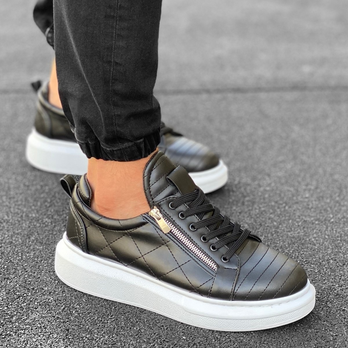 Casual Sneakers With Stitch and Side-zip Design in Black&White
