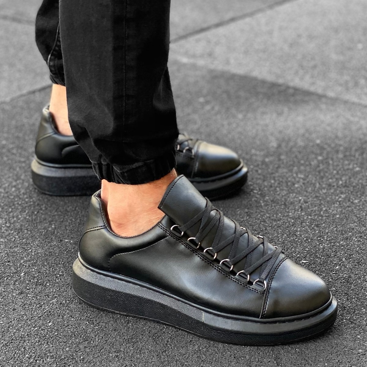Men's High Sole Low Top Sneakers Shoes Black