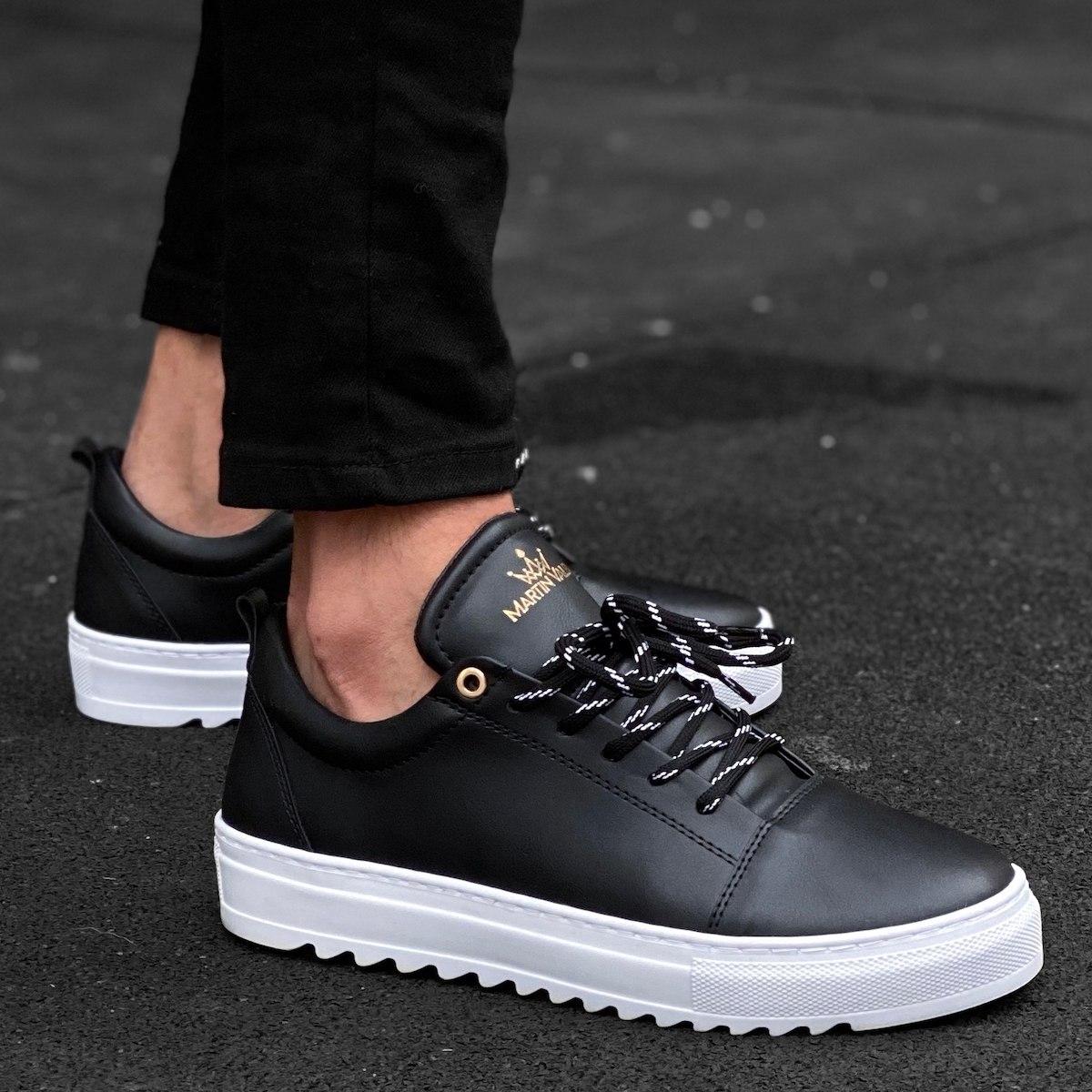 Men's Notch-Sole Sneakers In White & Black