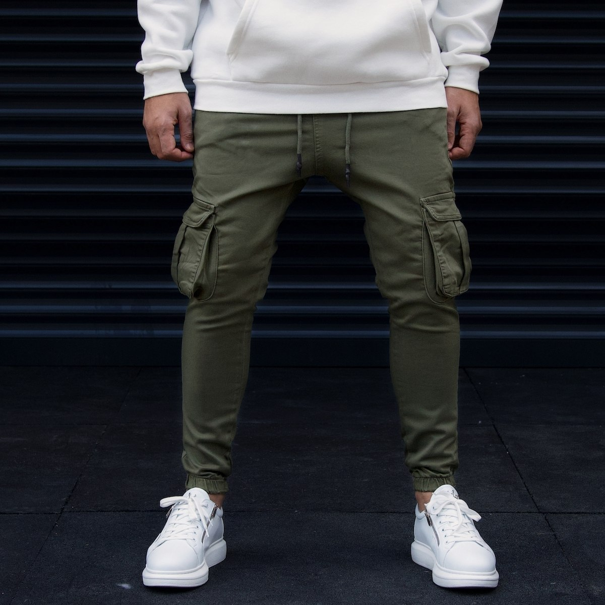 Men's Cargo Joggers With Pockets In Khaki
