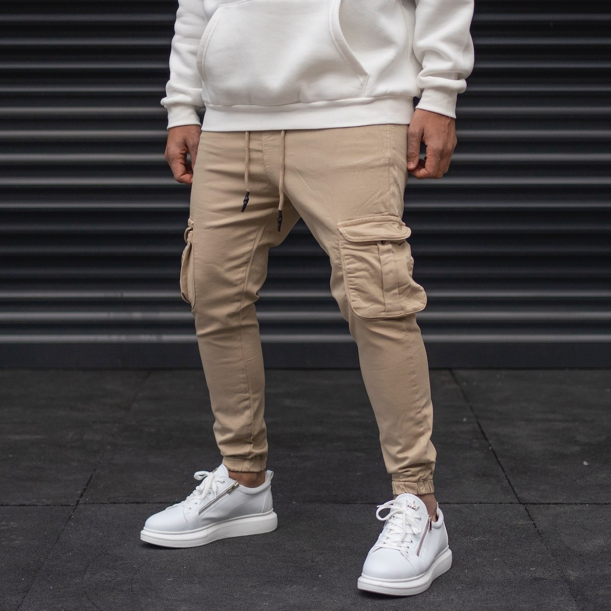 Men's Cargo Joggers With Pockets In Beige