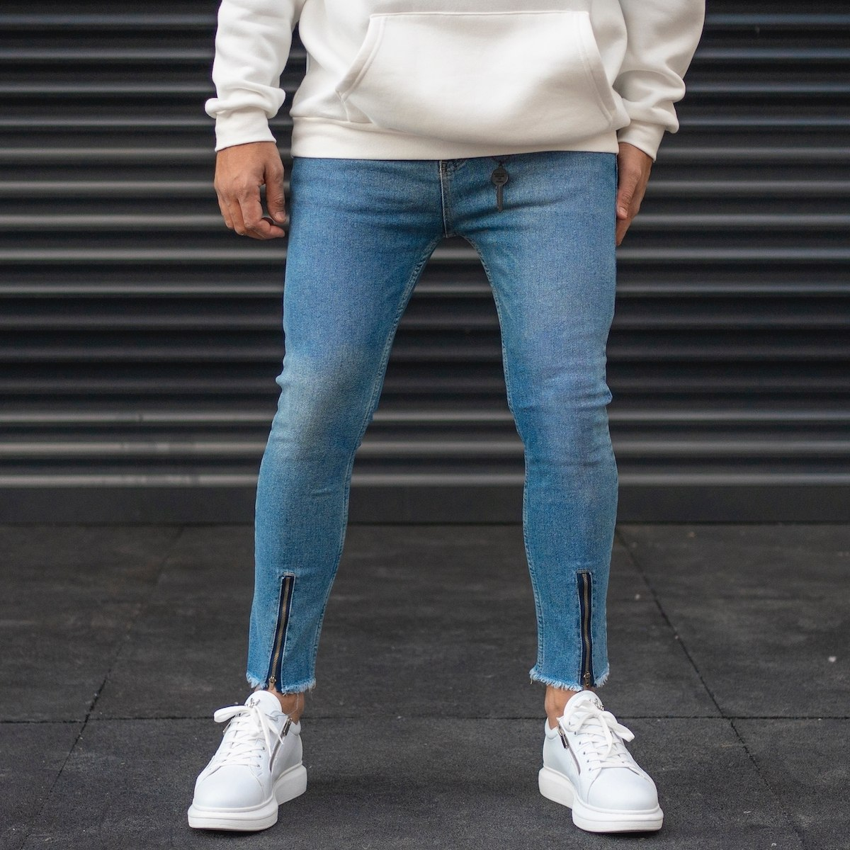 Men's Jeans With Zipped Ankle
