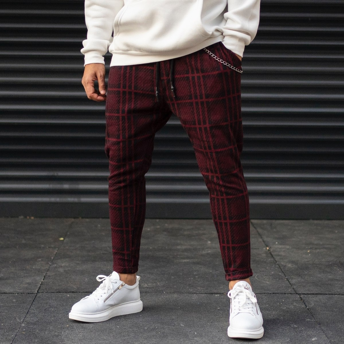 Men's Plaid Cachet Sweatpants With Chain Detail In Claret Red
