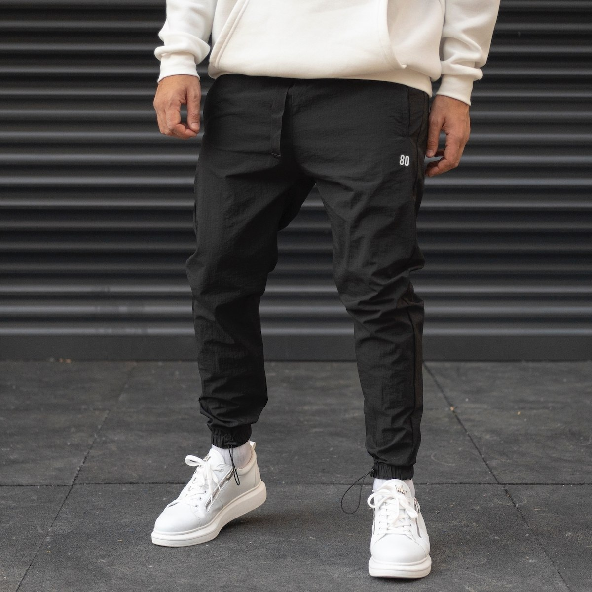 Men's Parachute Fabric Sweatpants With Elastic Hem In Black