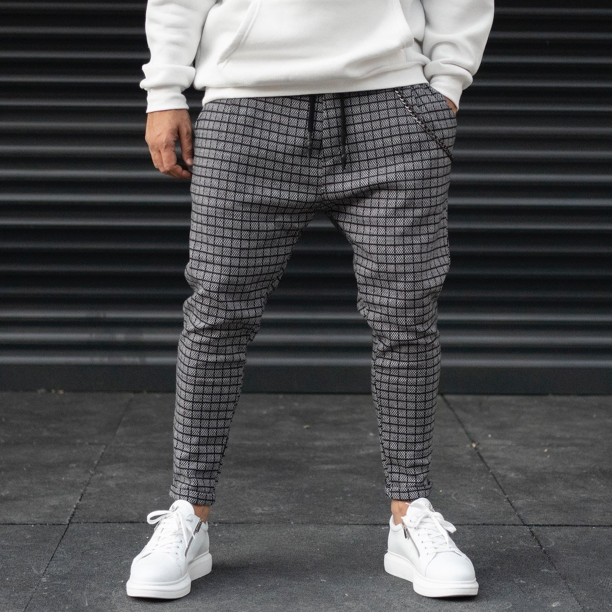 Men's Plaid Shalwar Sweatpants With Chain Detail In Gray