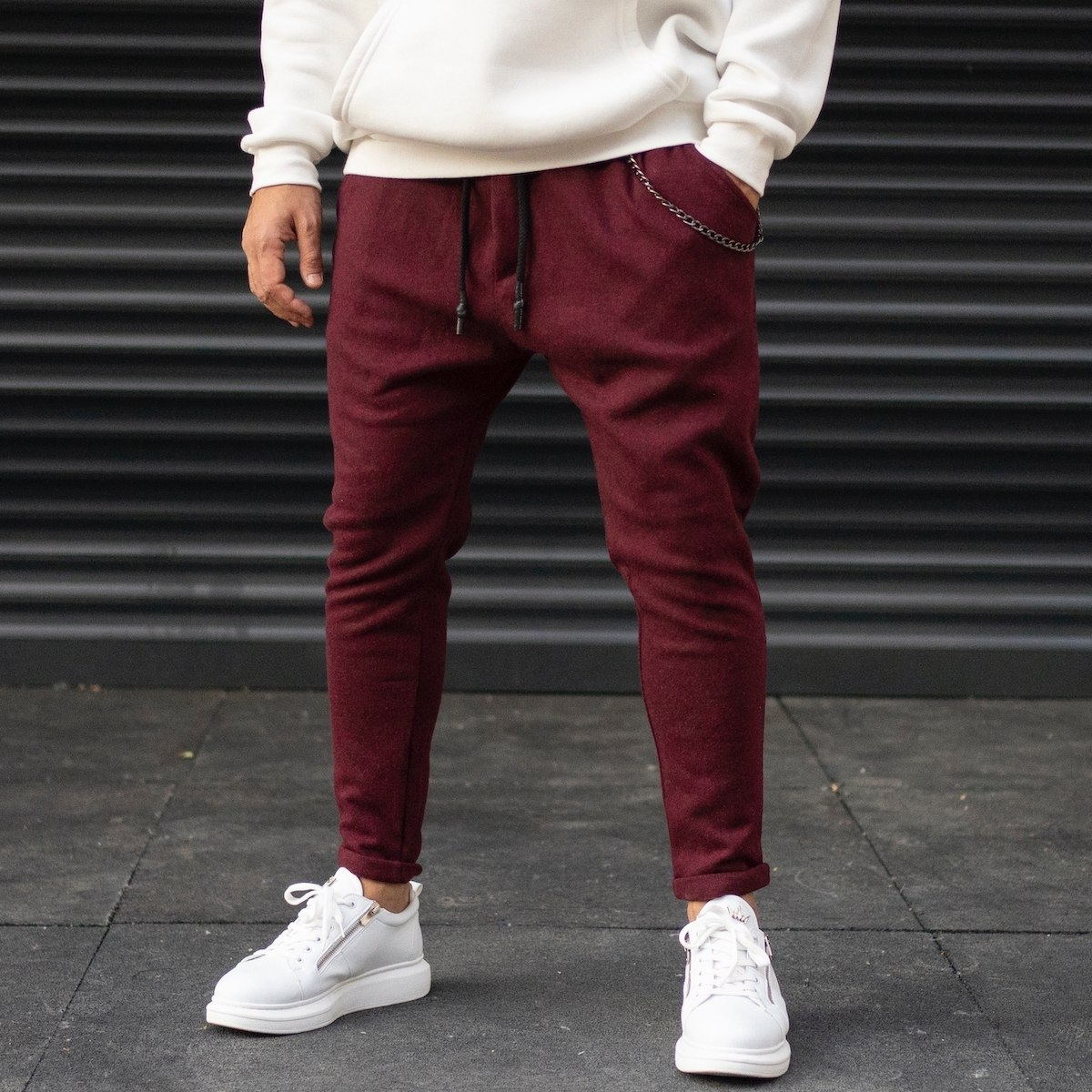 Men's Cachet Textured Sweatpants With Chain Detail In Claret Red