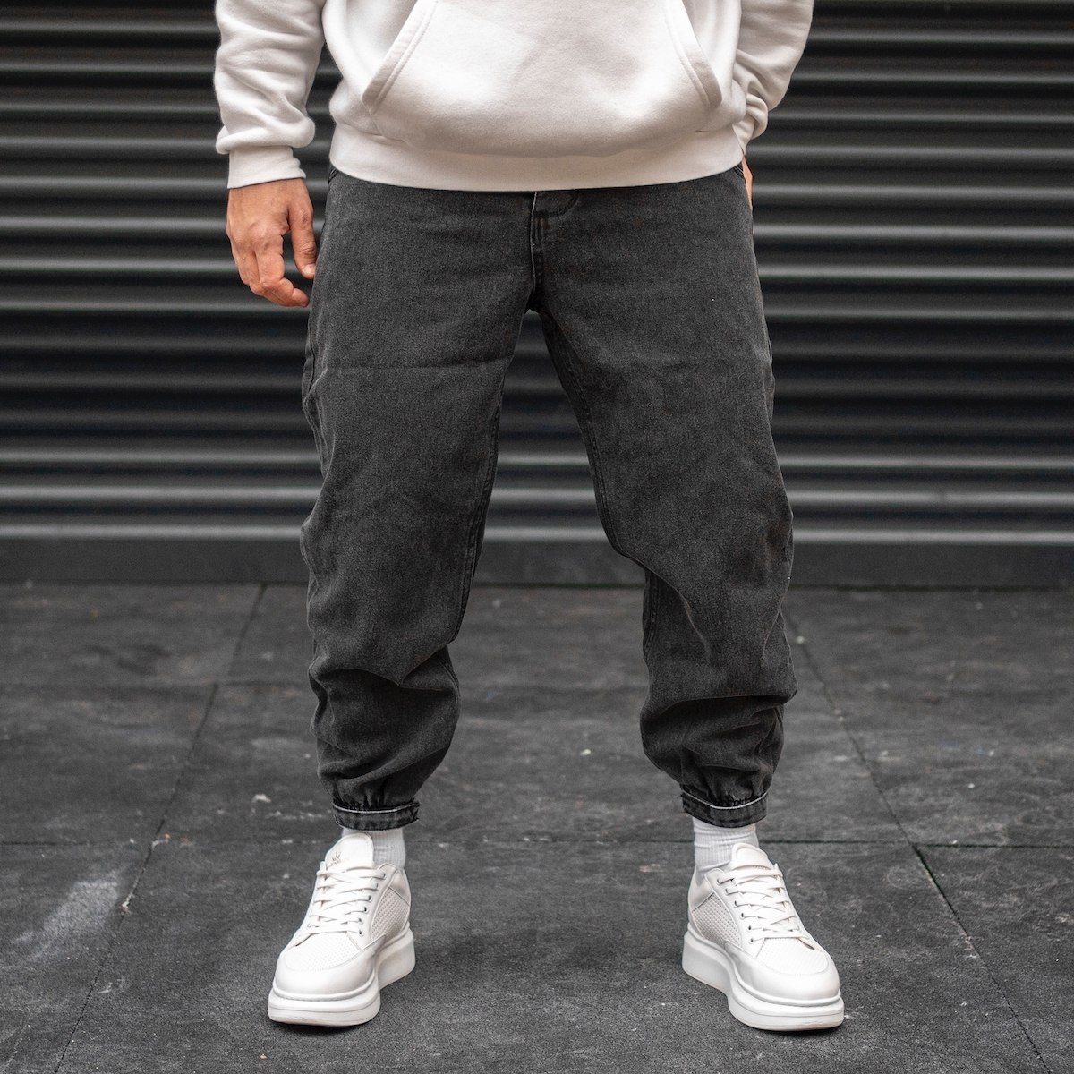 Men's Jogger Tapered Jeans...