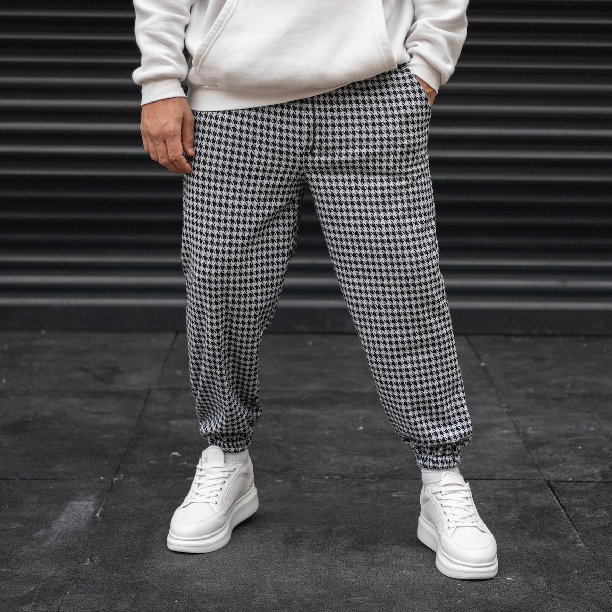 Men's Plaid Jogger In Gray