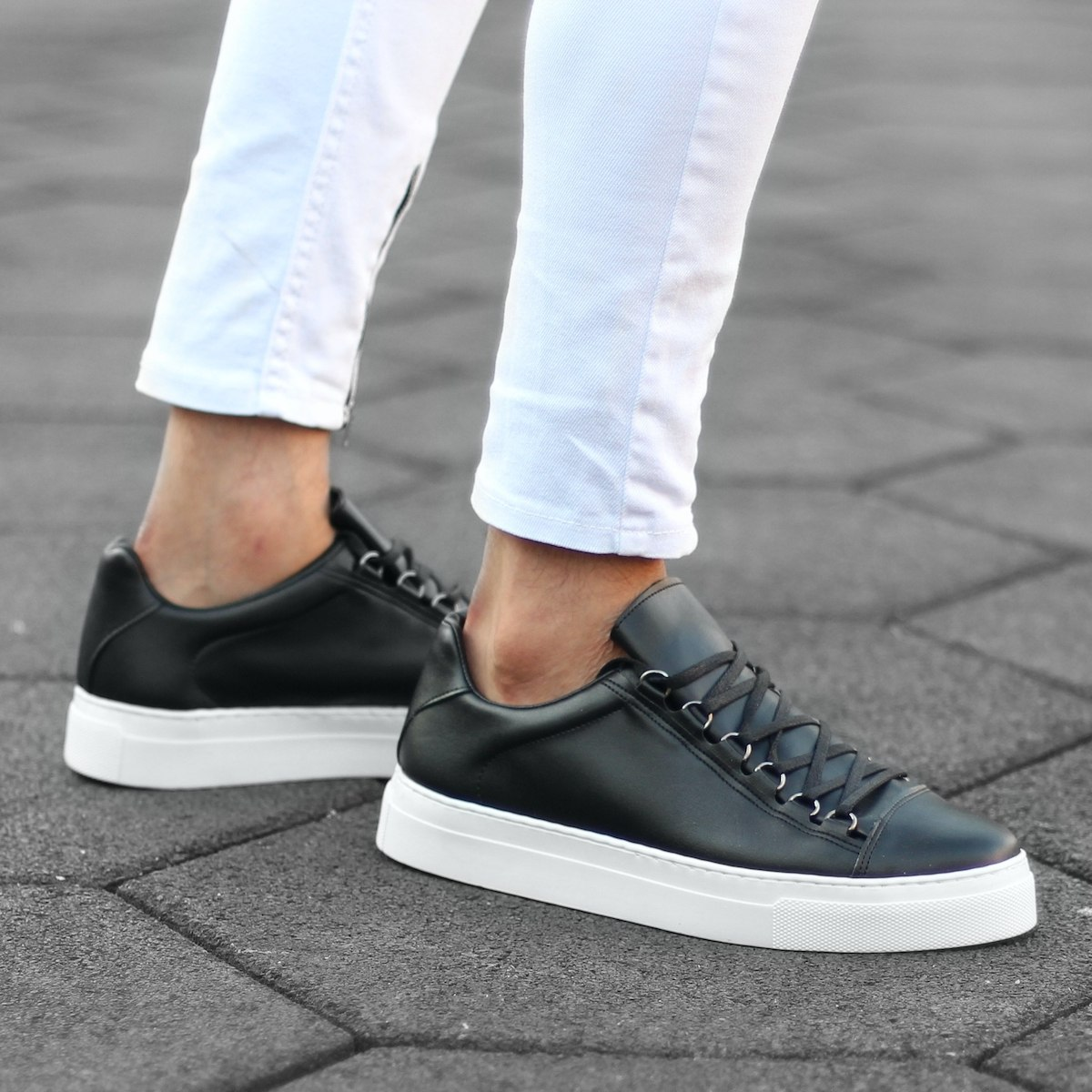 Mox High Sole Sneakers in Black&White