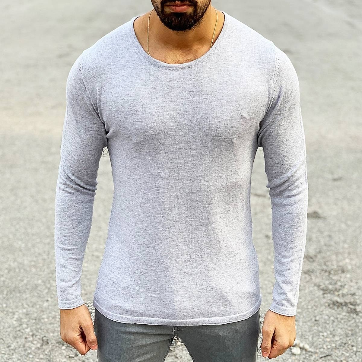Slim-Fitting Classic Round-Neck Sweater in Grey