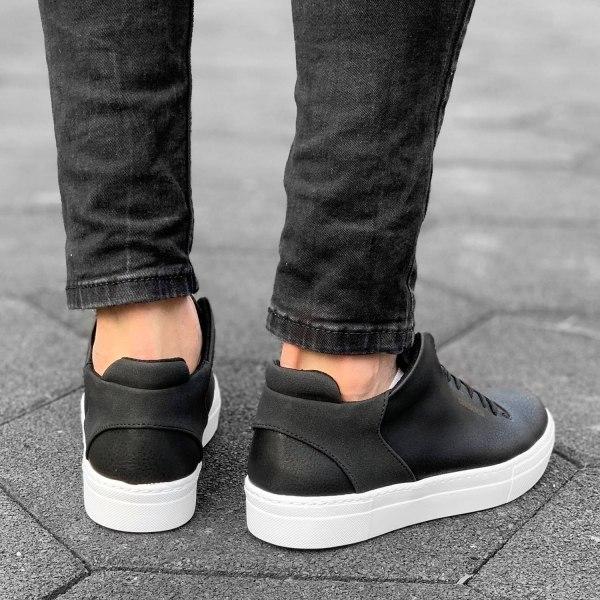 Street-Style Sneaker in...