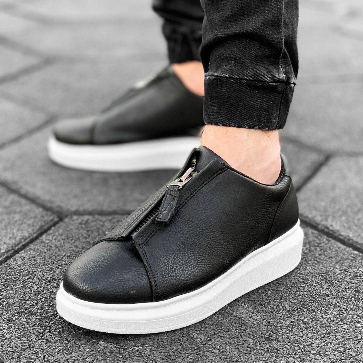 Zip-Up Sneakers in Black&White