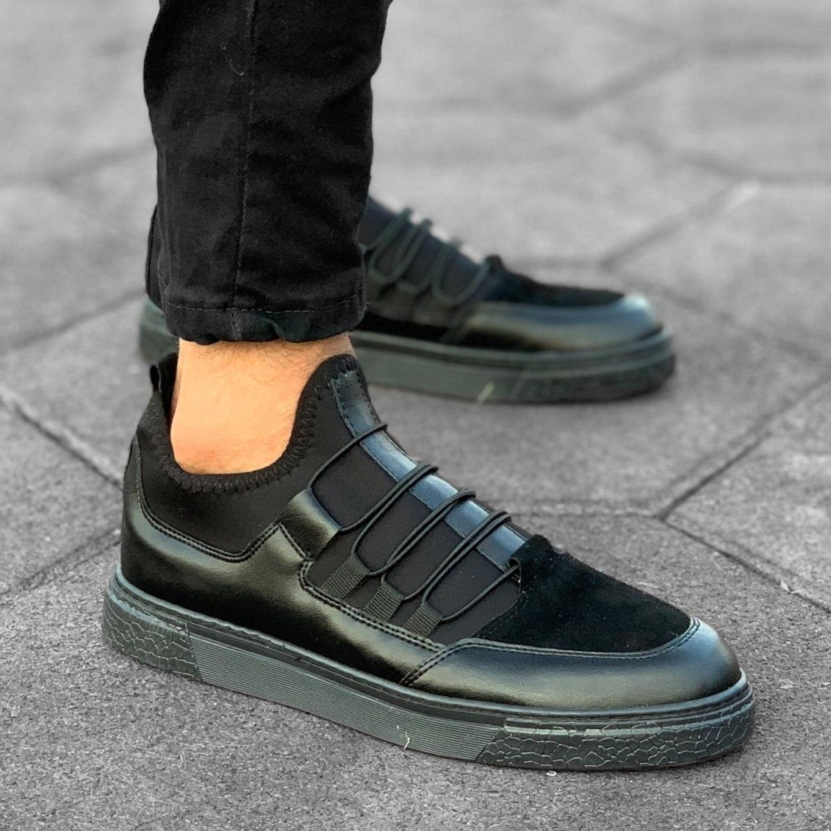 Scuba-elastic laced in Full Coal Black