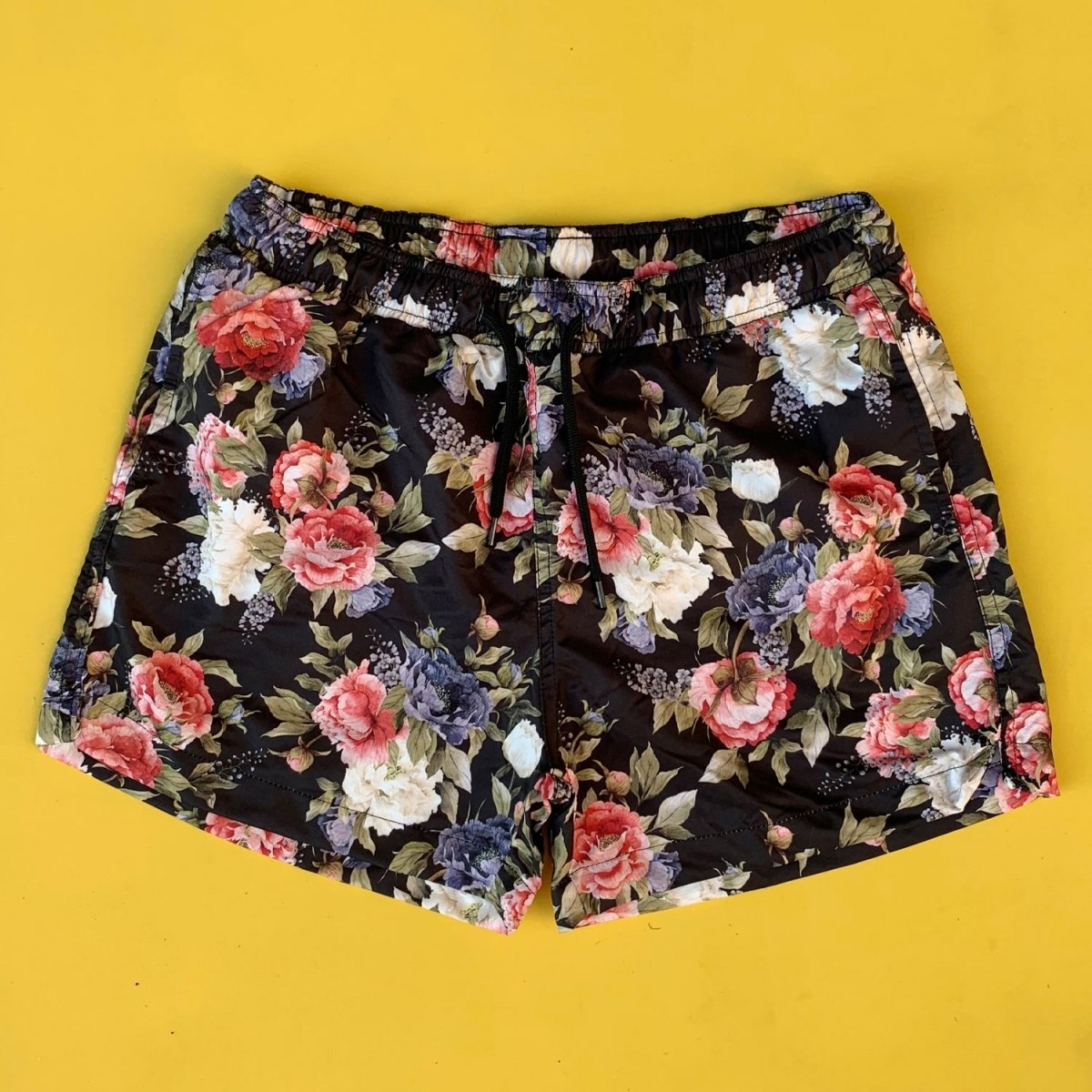 Men's Colorful Flowers Pattern Short Swim Shorts Black