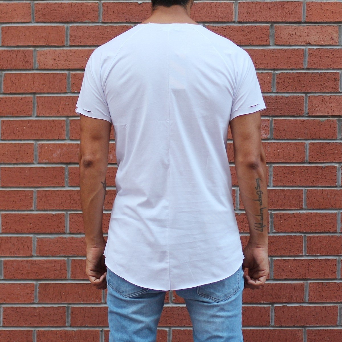 Men's Crew Neck T-Shirt With Rips In White MV T-shirt Collection - 2