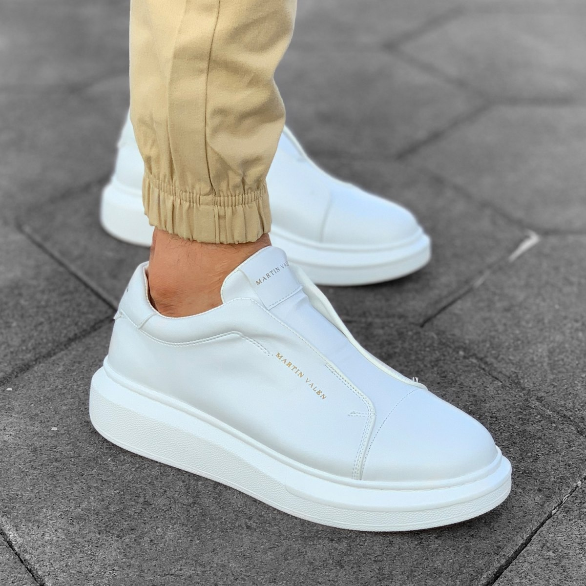 Slip-on Sneakers in White