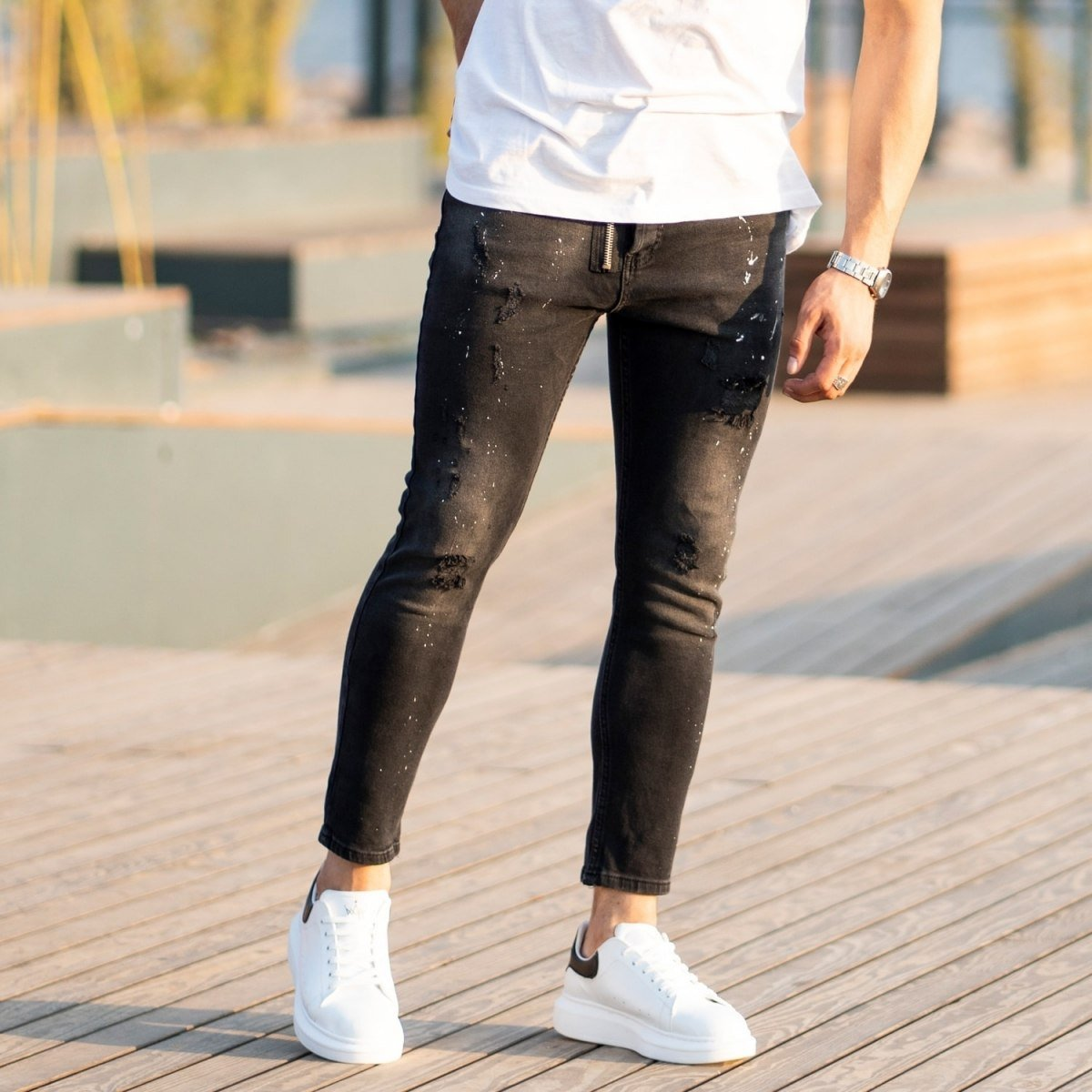 Men's Futuristic details Jeans In Black