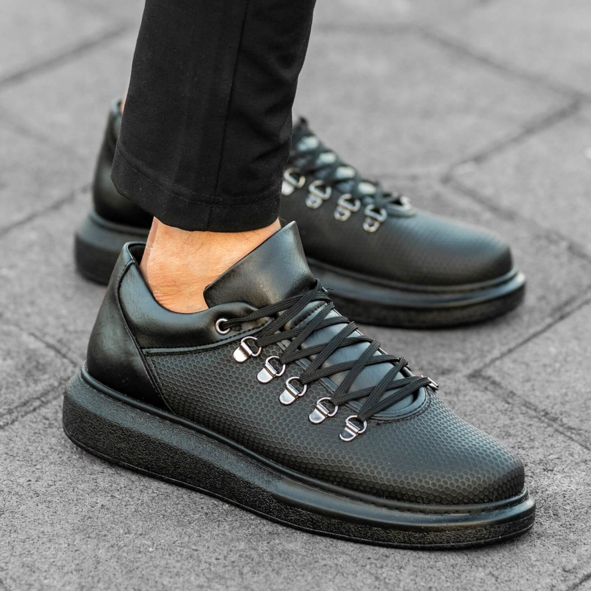 MV Total Black Mesh Mega Sole Sneaker
