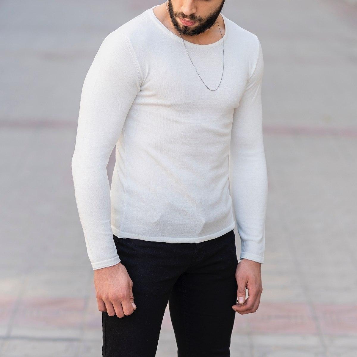 Slim-Fitting Classic Round-Neck Sweater in White Mv Premium Brand - 3