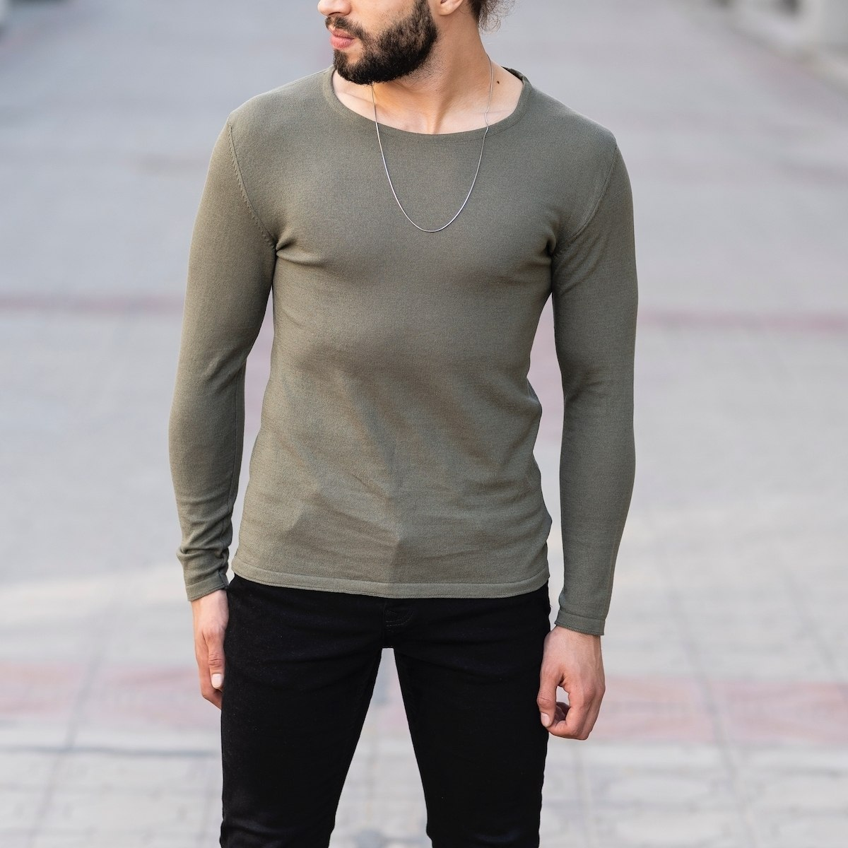 Slim-Fitting Classic Round-Neck Sweater in Khaki Mv Premium Brand - 1