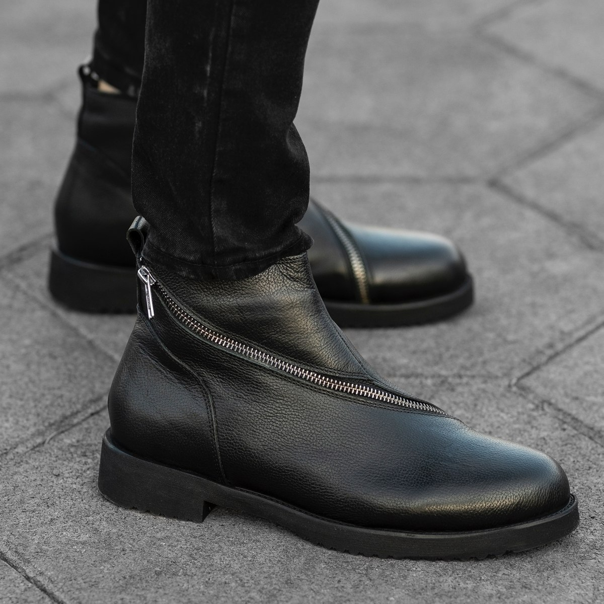 Cross-Zip Leather Chelsea Boots in Black Mv Premium Brand - 1