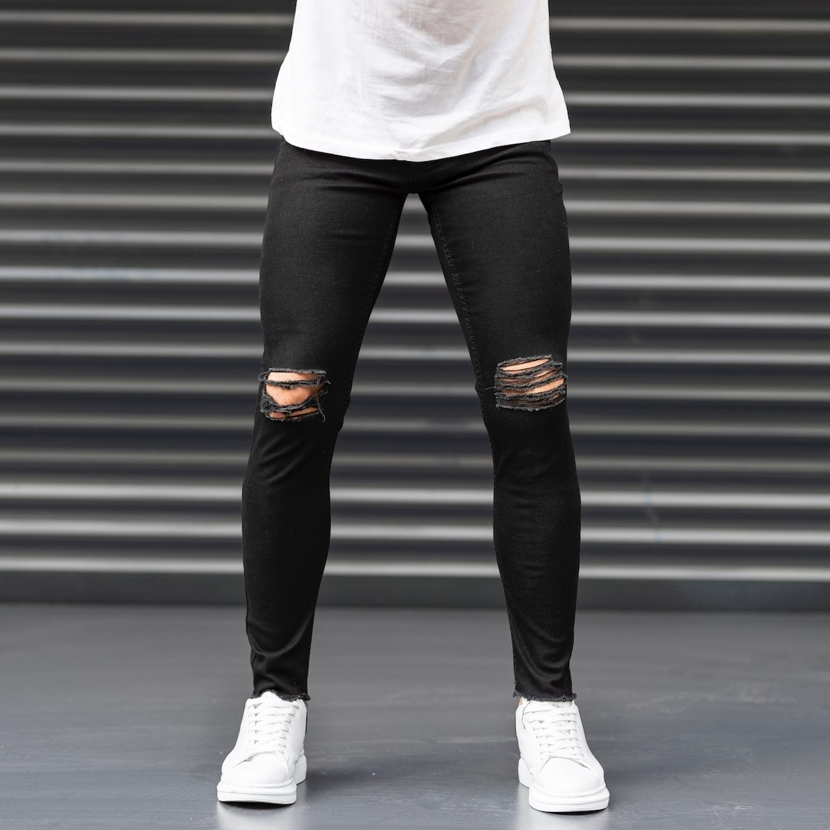 Distorted Leg Jeans in Black