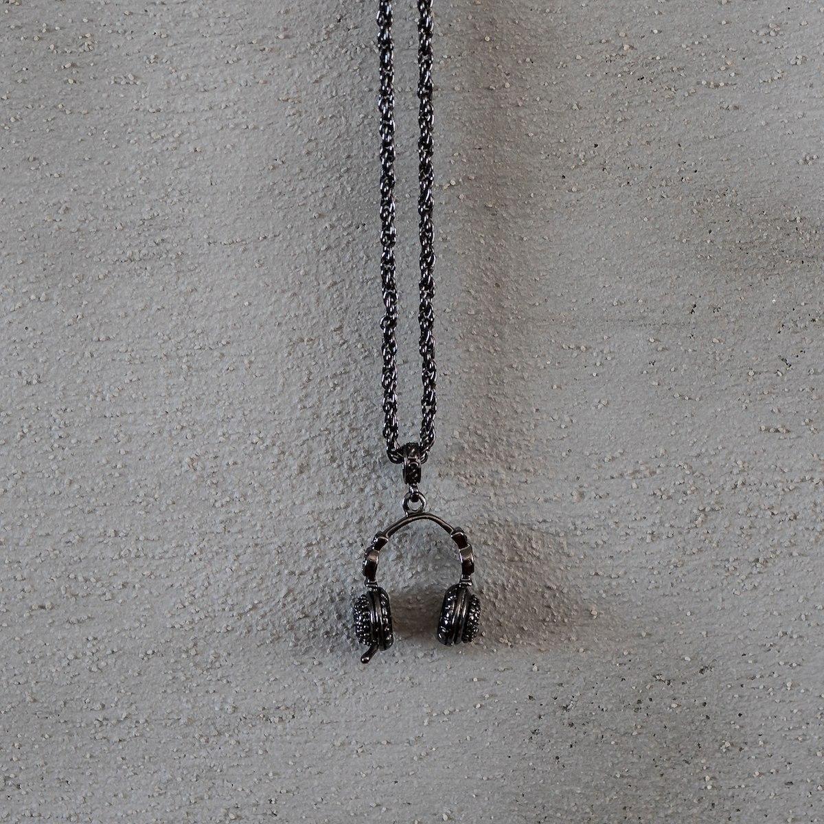 Men's Headphone Necklace...