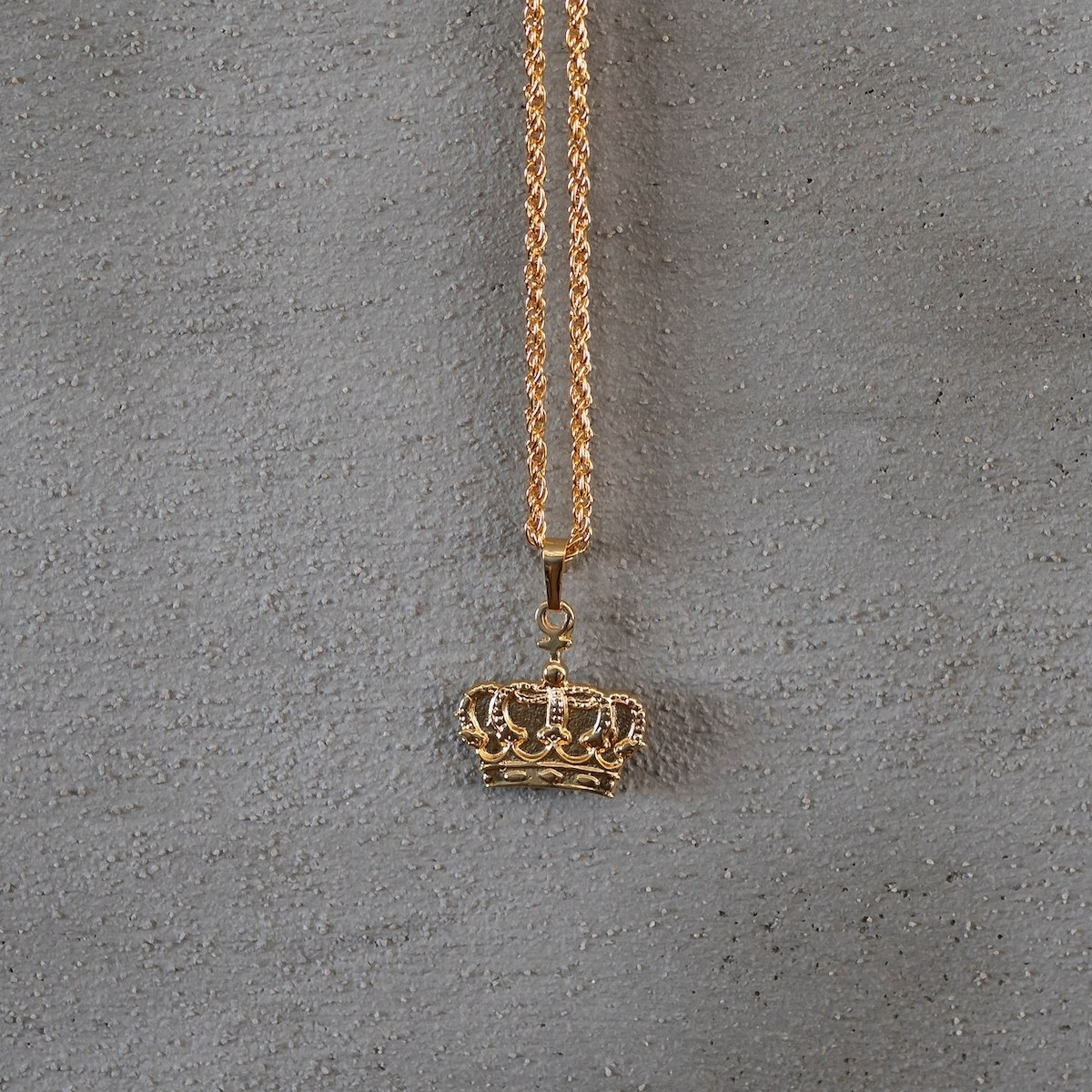 Men's Gold Crown Necklace