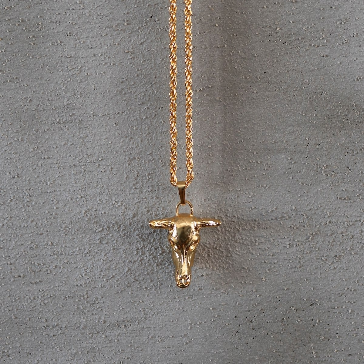 Men's Gold Bull Necklace